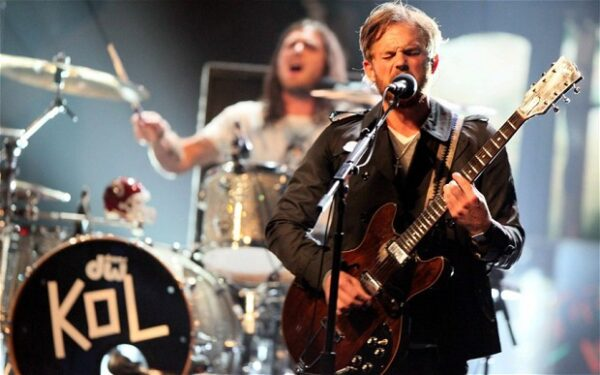 """Altimage= """"Kings of Leon"""""""