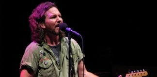 Watch: Pearl Jam Play Outtake From 'Ten' Live For The First Time!
