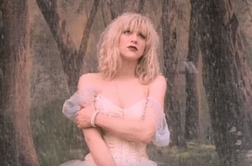 Courtney Love Staged Suicide