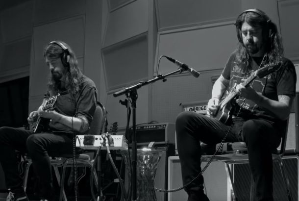 Dave Grohl Shares 23 Minute Solo Recording And Documentary 'Play'!
