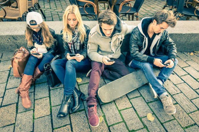 Mobile Phones Making Teenagers 'Unhappy'