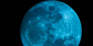 """altimage=""""Blue Moon"""""""
