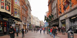 Pubs And Shops Could Stay Shut Over Christmas Says Varadkar