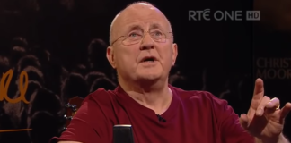 "altimage= ""Christy Moore"""