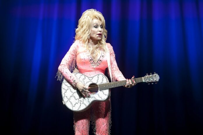 Dolly-Parton-In-Tears-All-Night-Elvis-Fight