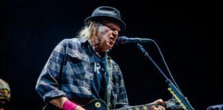Neil-Young-Drops-Lawsuit-Against-Donald-Trump