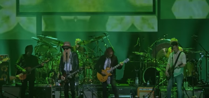 WATCH: Mick Fleetwood, Kirk Hammett And Billy Gibbons Perform The Green Manalishi