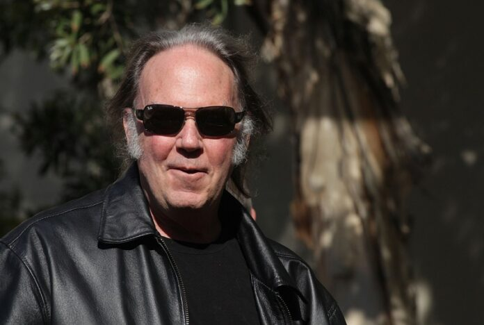 Neil-Young-Sells-To-Hipgnosis
