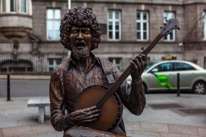 Charges-Dropped-Over-Luke-Kelly-Statue