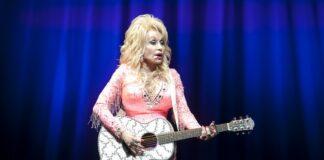 Dolly-Parton-Reveals-Extraordinary-Date
