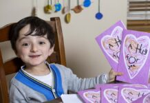 Toy Show Hero Adam King Teams Up With SuperValu And Centra To Share His Hug Cards