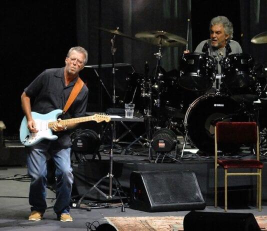 """Altimage= """"Clapton"""""""