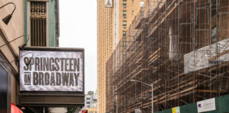 """Bruce Springsteen speaks out about his mother's Alzheimer's during """"Springsteen on Broadway"""" return"""