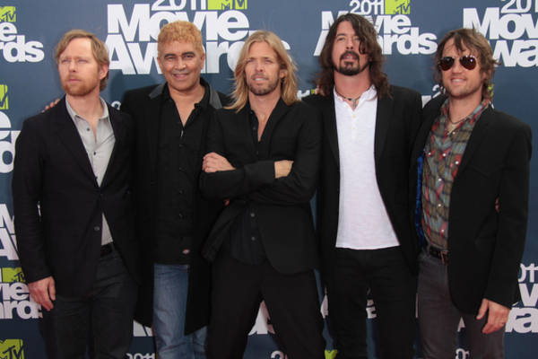 Listen to Foo Fighters Cover the Bee Gees